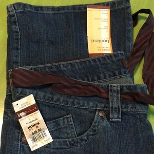 Lee Jeans. 14M. NWT. Boot Cut. Tie included.